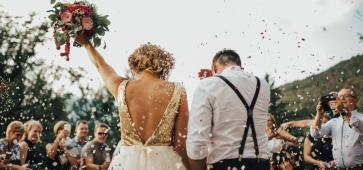 How to Have a Lavish Wedding on a Budget