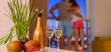 Easy & Inexpensive Date Night Ideas