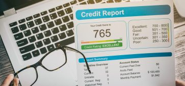 How Long Do Items Stay on a Credit Report?